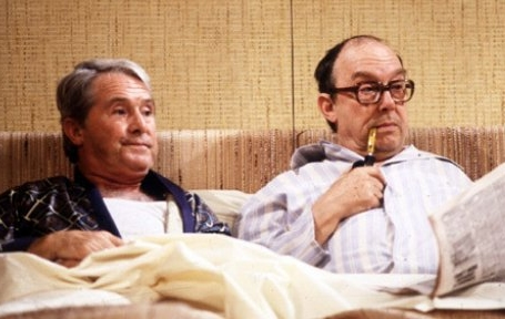 morecambe_and_wise_in_bed
