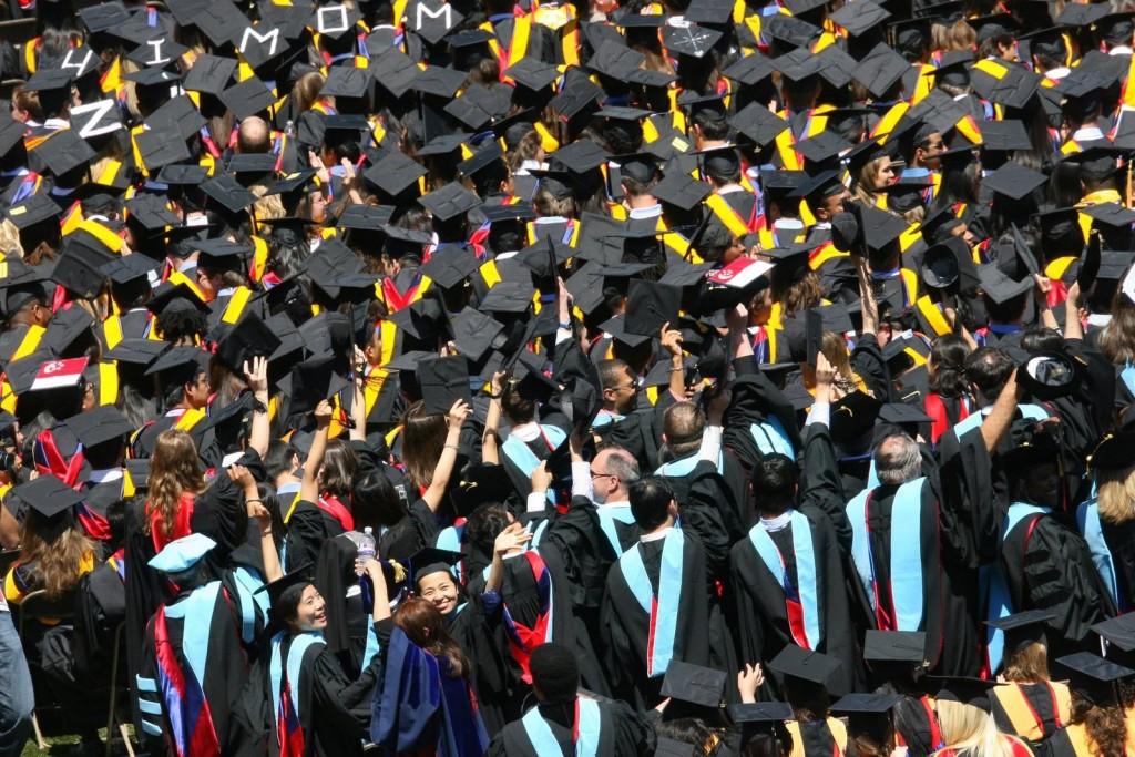 graduates-1177183-1599x1066