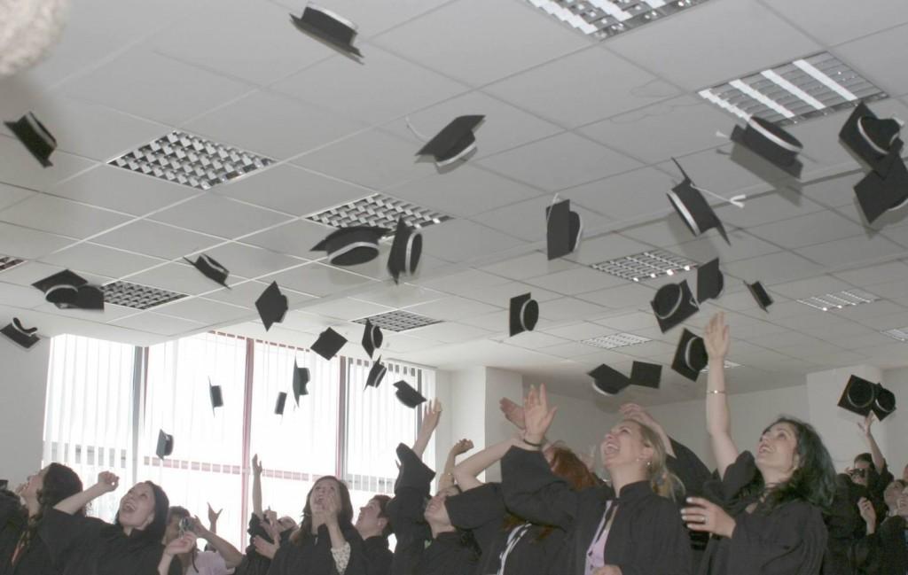 graduation-2-1548758-1599x1066