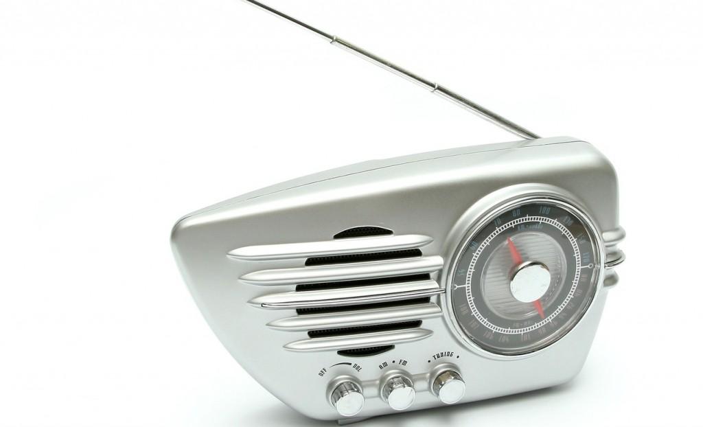 retro-radio-1418109-1279x1253