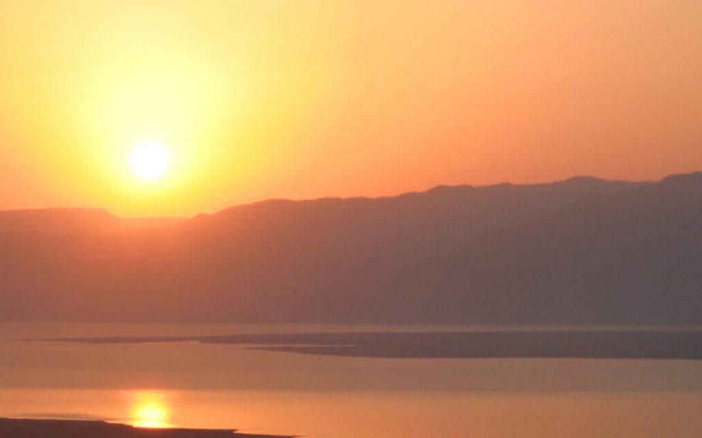 sun-rise-1567508-1279x944