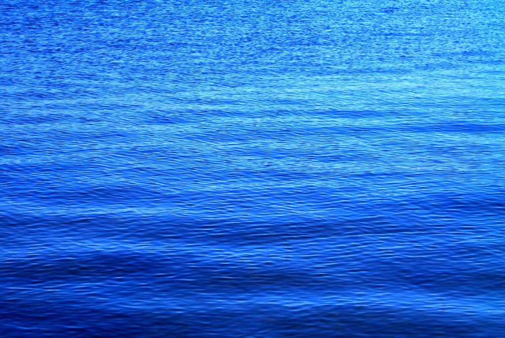 blue-water-1517314-1280x960